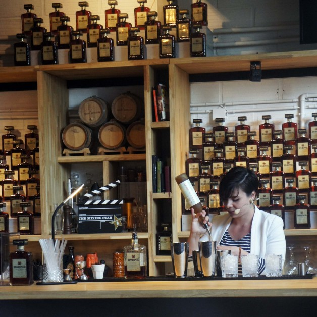 Disaronno_The_Mixing_Star_2015_France-01